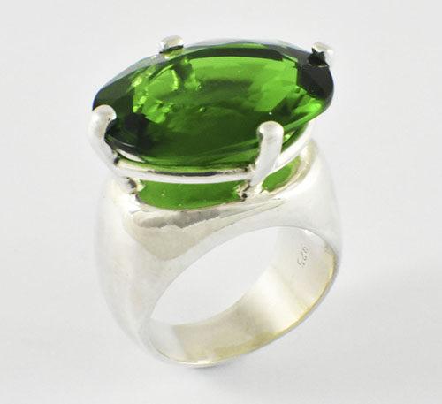 Obsidiana natural en anillo de plata