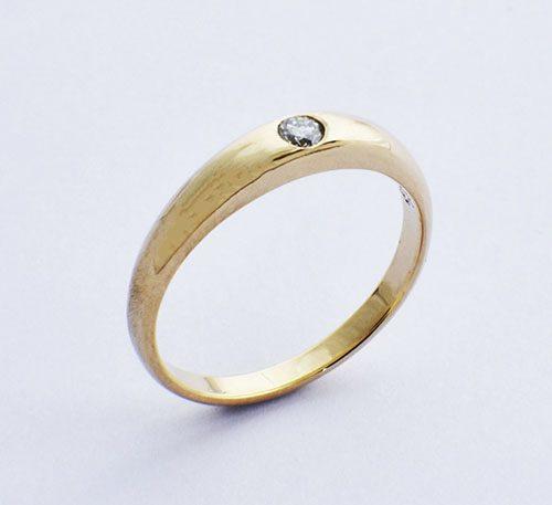 Argolla de compromiso para mujer en oro 18k peso 2,9 gramos con 1 diamante