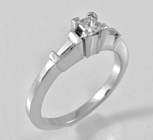 anillo solitario de compromiso