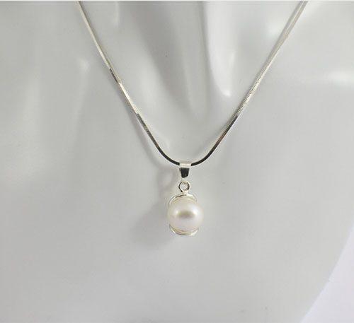 Dije de plata ley 0,950 con peso 2 gramos y perla natural de cultivo de 8 mm