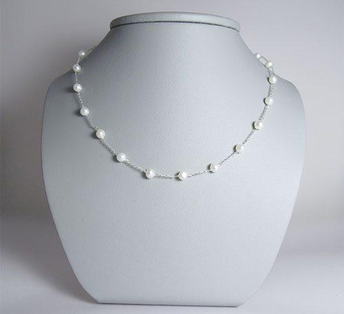Collar de plata con perlas naturales cultivo de 6 mm de diámetro.
