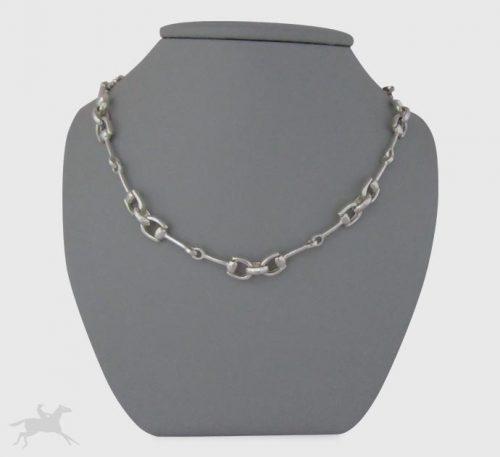 Collar de plata ley 0,950 con peso 33 gramos. Diseño de eslabones de filetes