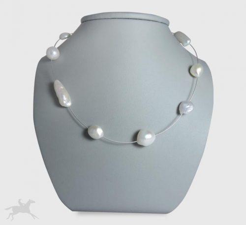 Collar de plata con perlas naturales cultivo de variadas formas.