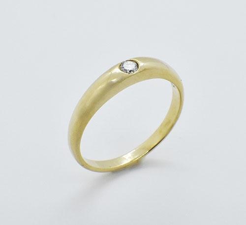 Anillo de compromiso en oro con diamante talla brillante de 0,08