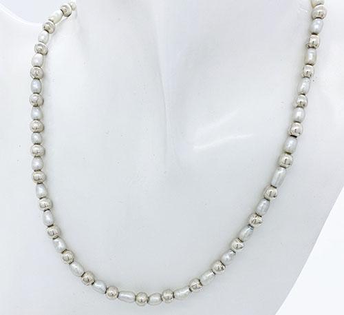 Collar de esferas de plata con perlas naturales