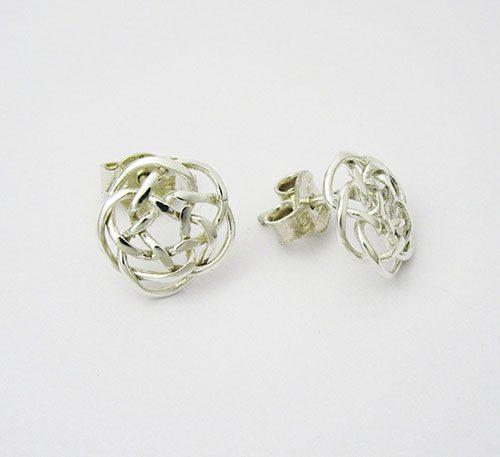 Aretes de plata ley 0,950 con peso 5 gramos, Diseño de boton de lazos cruzados.