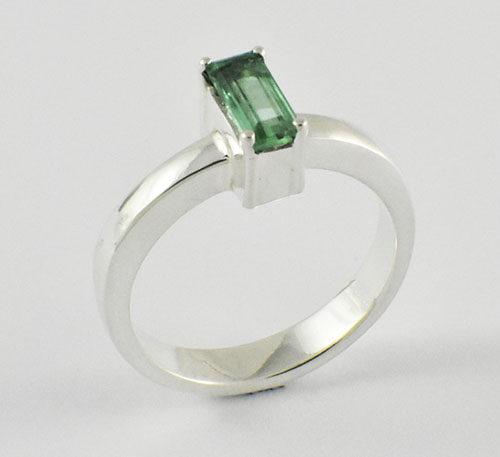 anillo de esmeralda en plata