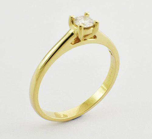anillo de matrimonio con diamante