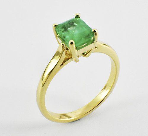 anillo de esmeralda