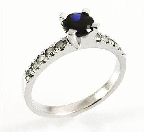 anillo de matrimonio con zafiro