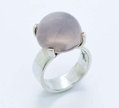 anillo de plata con cuarzo rosado