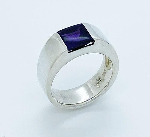 anillo de plata con amatista