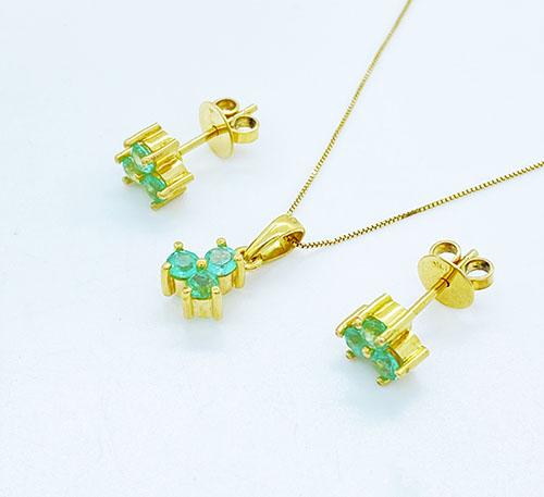 Set aretes y dije de oro con esmeraldas