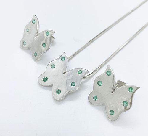 set de mariposas de plata con esmeraldas